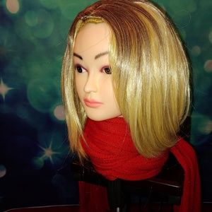 Two tone blonde wig QT 866